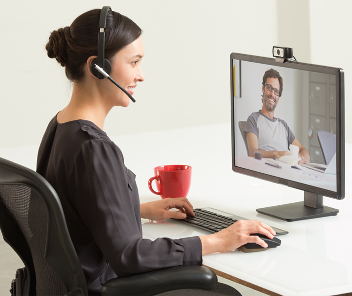 logitech skype camera your webcam been used by another application